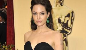 03-Angelina-Jolie-2