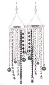 Harajuku Lovers Gewn Stefani Long Dangling Curtin Sparkling Earrings